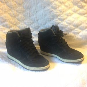 NIKE Sky High Dunk Black Sneakers